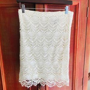Valerie Bertinelli Ivory crochet lace pencil skirt